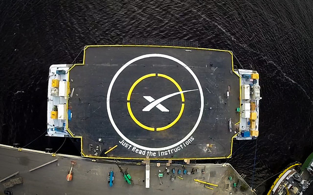 Les photos de SpaceX dans le domaine public